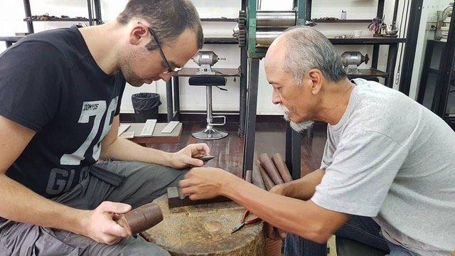 Apprendre La Bijouterie En Thaïlande
