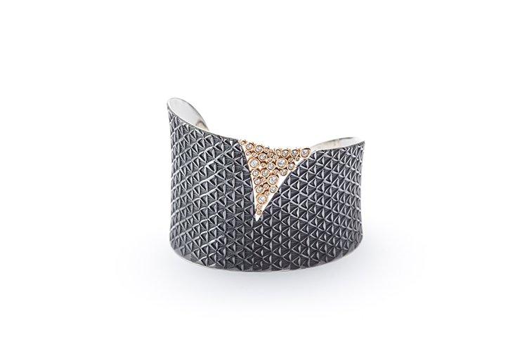 Bracelet Poinçonné